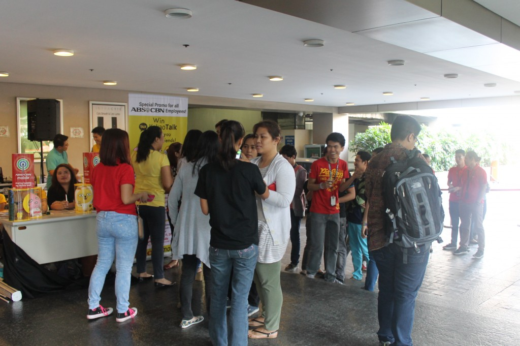 Kakao Talk and ABS-CBN Mobile Activation Launch employees